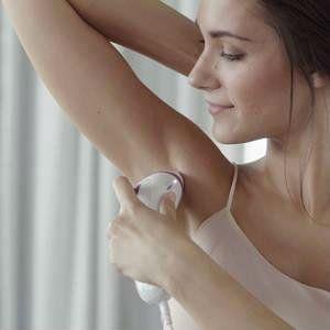 Braun Silk Expert 3005 mujer depilandose