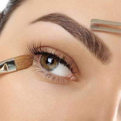 maquillarse las cejas luego de depilar
